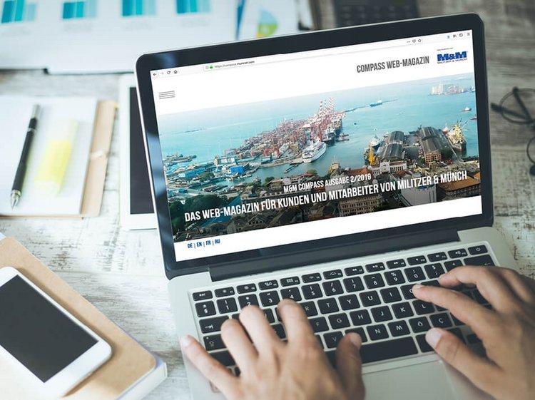 Laptop mit dem Web-Magazin M&M Compass für Kunden und Mitarbeiter von Militzer & Münch